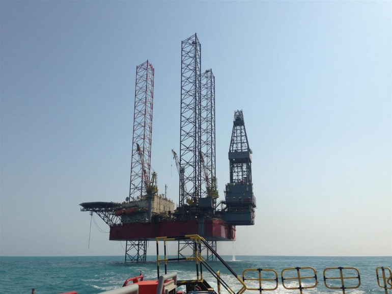 Seadrill offloads jackup trio to Shelf Drilling