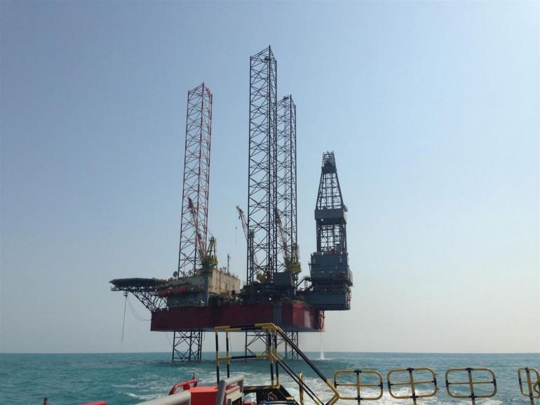 Seadrill offloads jackup trio to Shelf Drilling