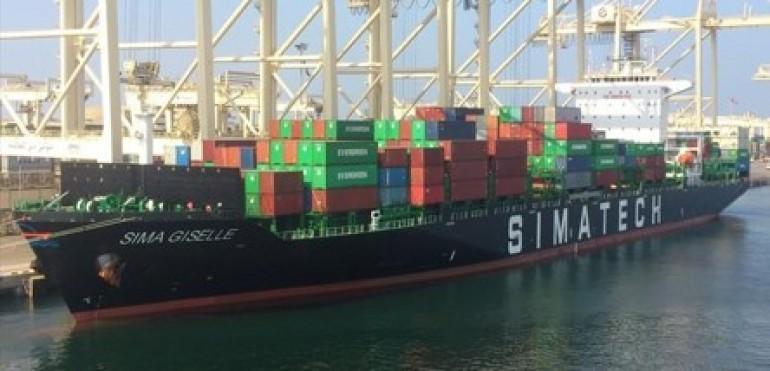 Simatech Shipping snaps up panamax boxship from Dauelsberg Herm