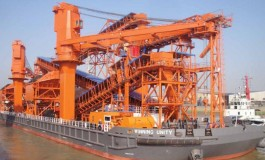 Winning Group orders two floating cranes at Huarun Dadong