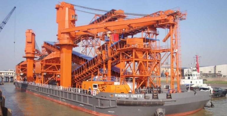 Winning Group orders two floating cranes at Huarun Dadong