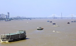 Two vessels collide on Yangtze River, two missing